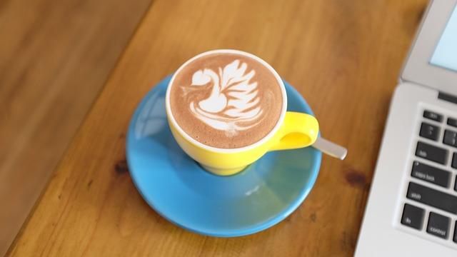 Kaffee aus Kaffeevollautomaten