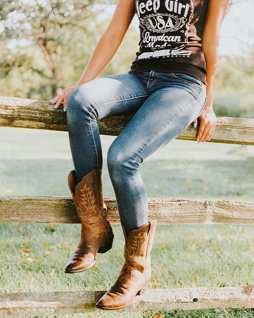 Bild Frau in Mustang Jeans
