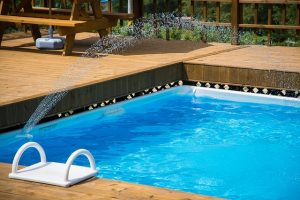 Bild Pool aus Styroporblöcken